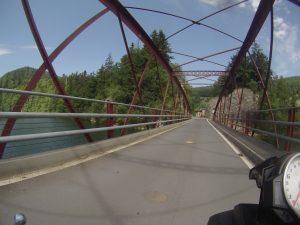 Brücke über den Fluss Duos