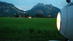 BMW R nineT Racer vor Schloss Neuschwanstein