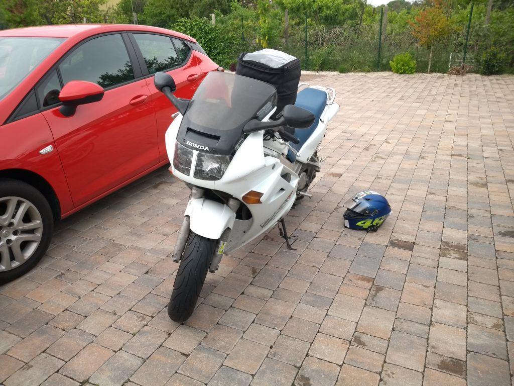 Motorrad mit Tankrucksack