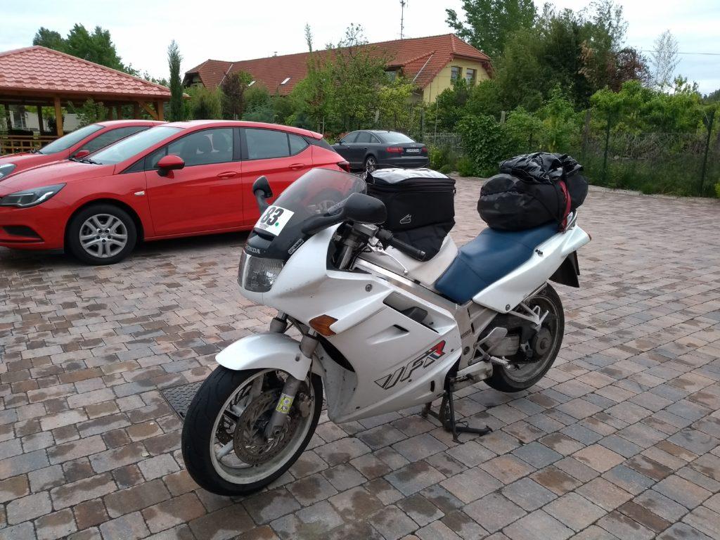 Honda VFR beladen