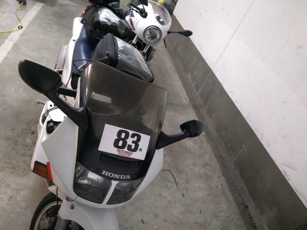 BMW R nineT Racer und Honda VFR